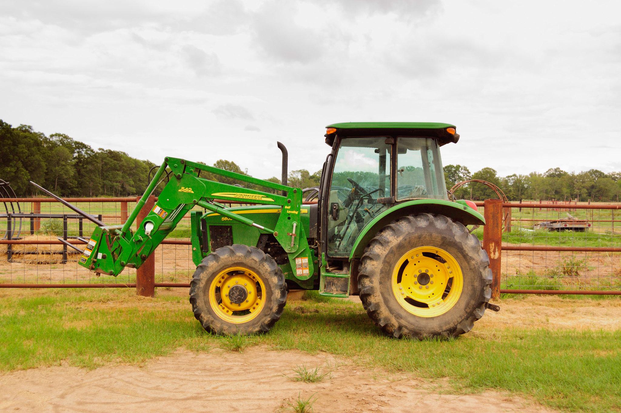 Maquinaria agrícola: 5 consejos clave para comprar un tractor usado