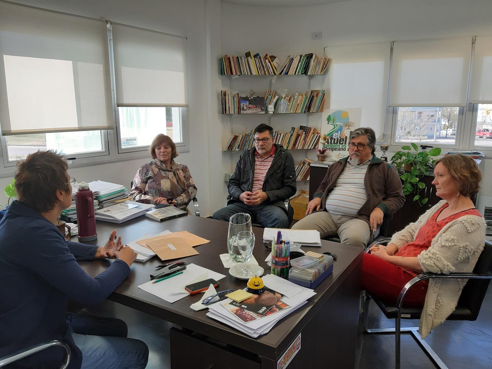 Continúa abierta la convocatoria del Fondo Editorial Pampeano para la publicación de obras literarias