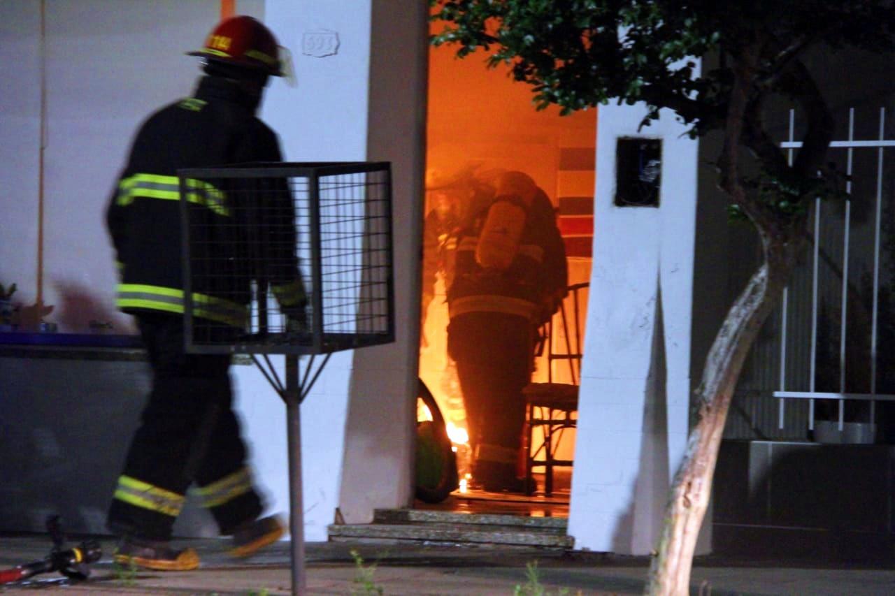 Bomberos y policía acudieron a un principio de incendio en el centro piquense