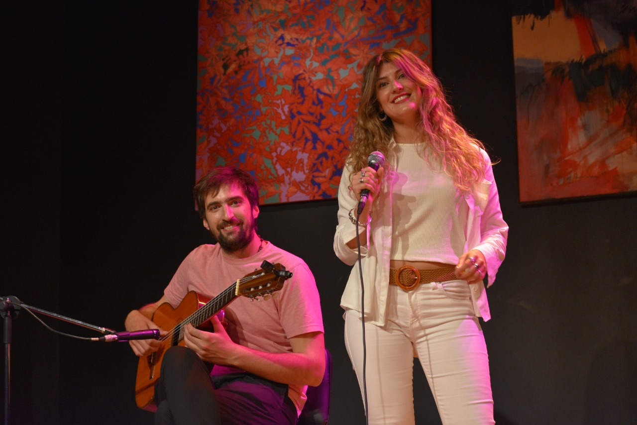 """""""Domingos en casa"""": Hoy se presenta el dúo """"Asociación Libre"""""""