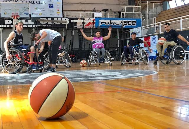 Se desarrolló el primer entrenamiento del equipo de básquet adaptado en las instalaciones de Pico FBC