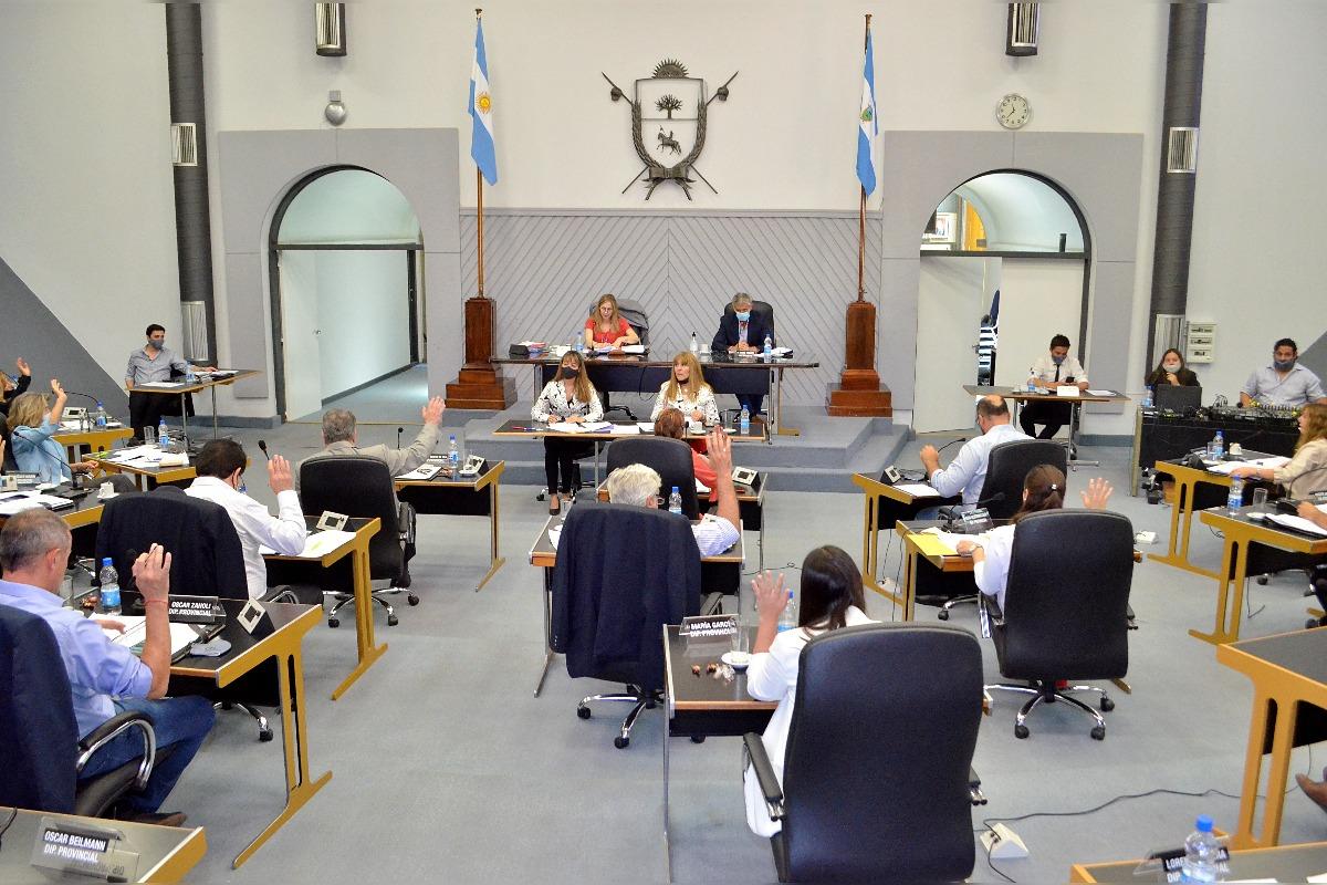 En la Cámara de Diputados se aprobó la ley que prohíbe la venta y el uso de pirotecnia sonora en La Pampa