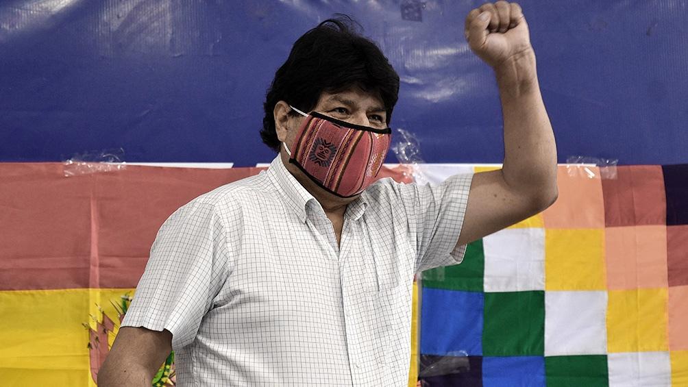 Evo Morales vuelve el lunes a Bolivia para recorrer parte del país en una caravana triunfal
