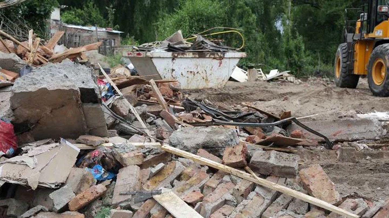 Neuquén: su ex lo denunció por abusar de sus hijas y 50 vecinos le quemaron la casa y lo mataron