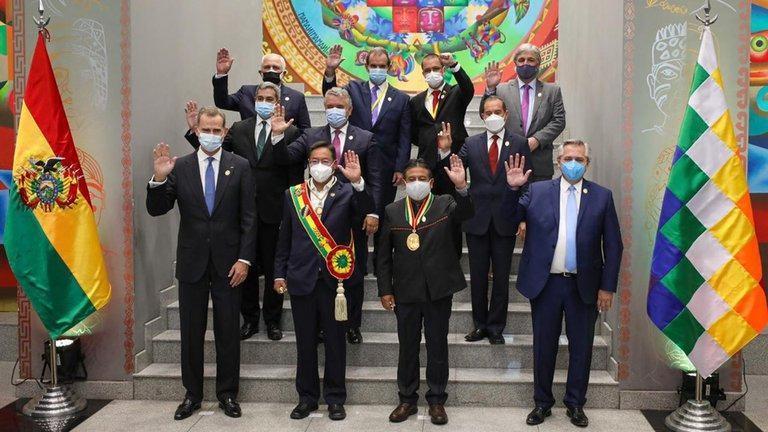 Alberto Fernández participó de la jura de Luis Arce en Bolivia y se reunió con el Rey de España y el presidente de Colombia