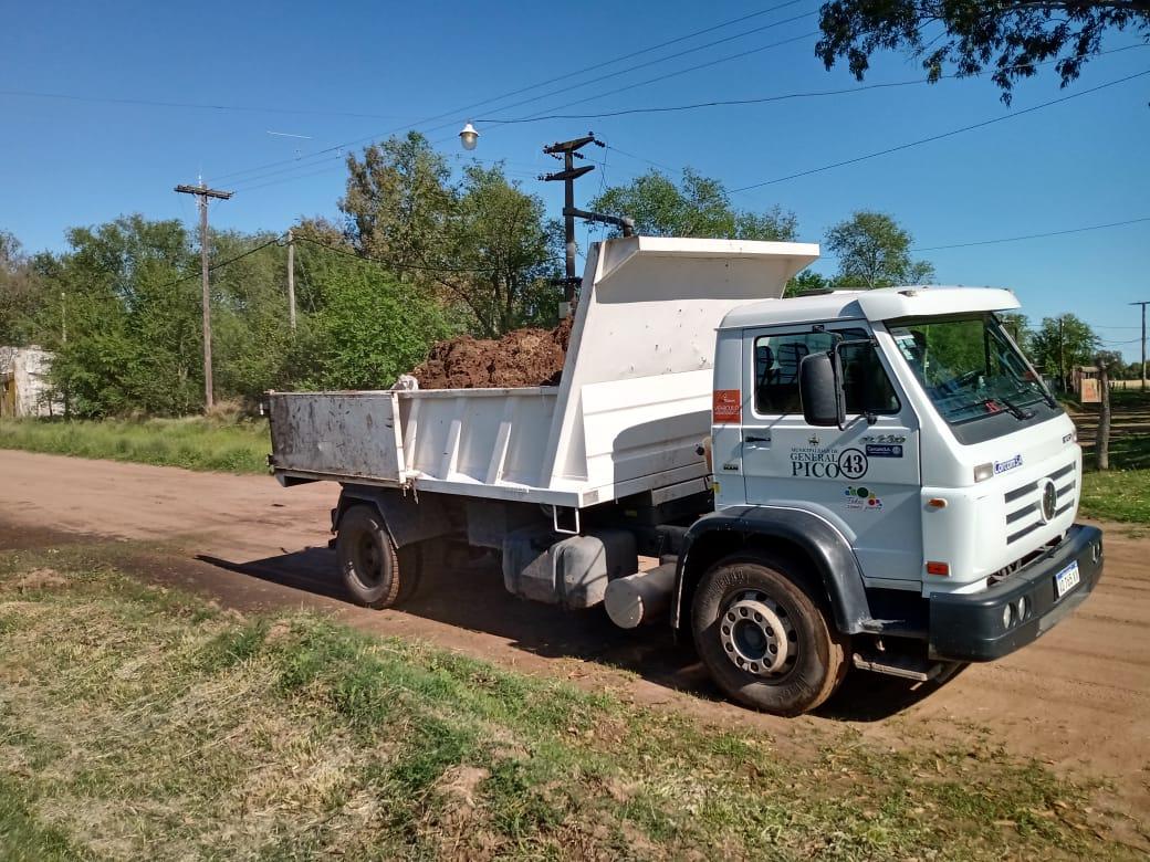 Importantes trabajos de limpieza y mantenimiento en Trebolares