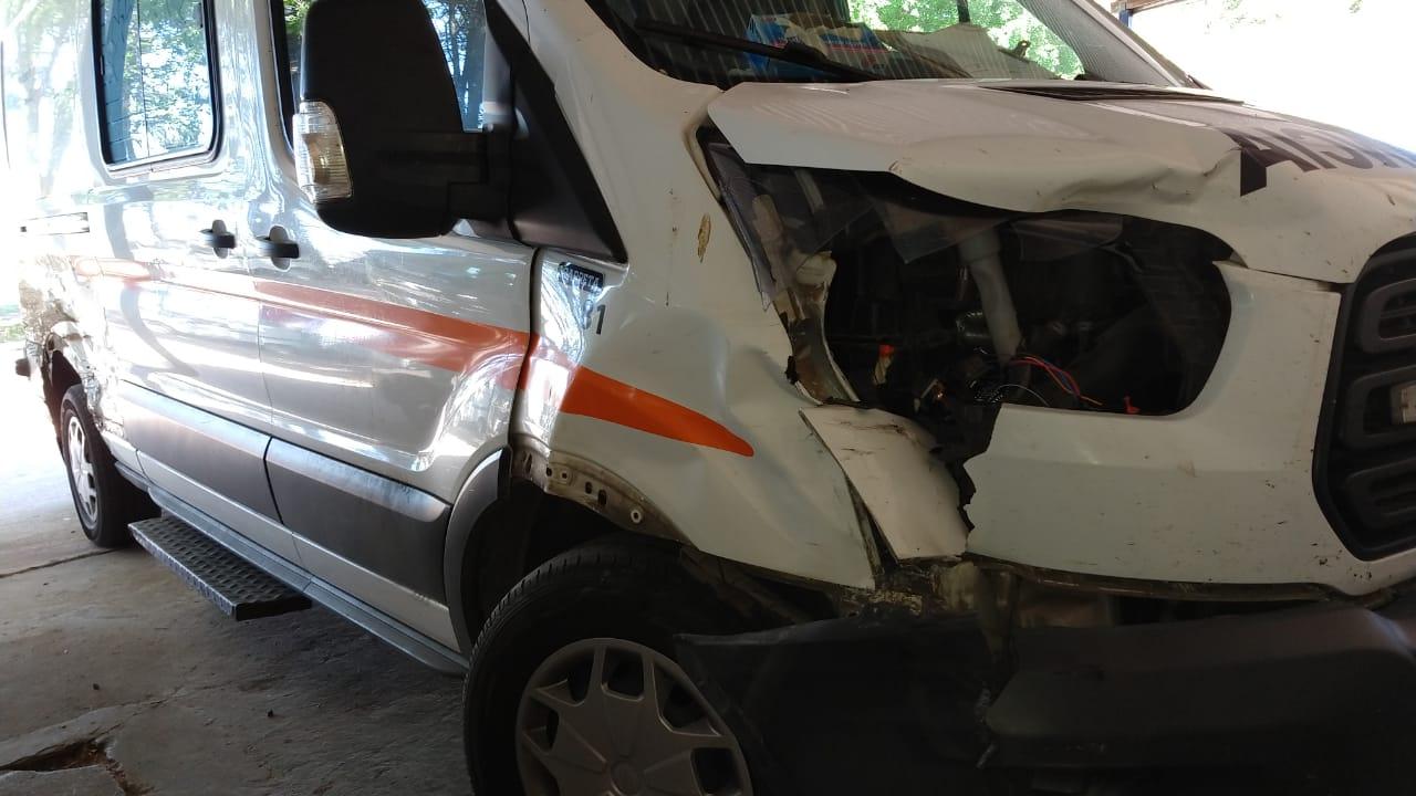 Sufrió un accidente el General Pico, quedó en grave estado y cuando era trasladado a Santa Rosa, la ambulancia chocó con un novillo