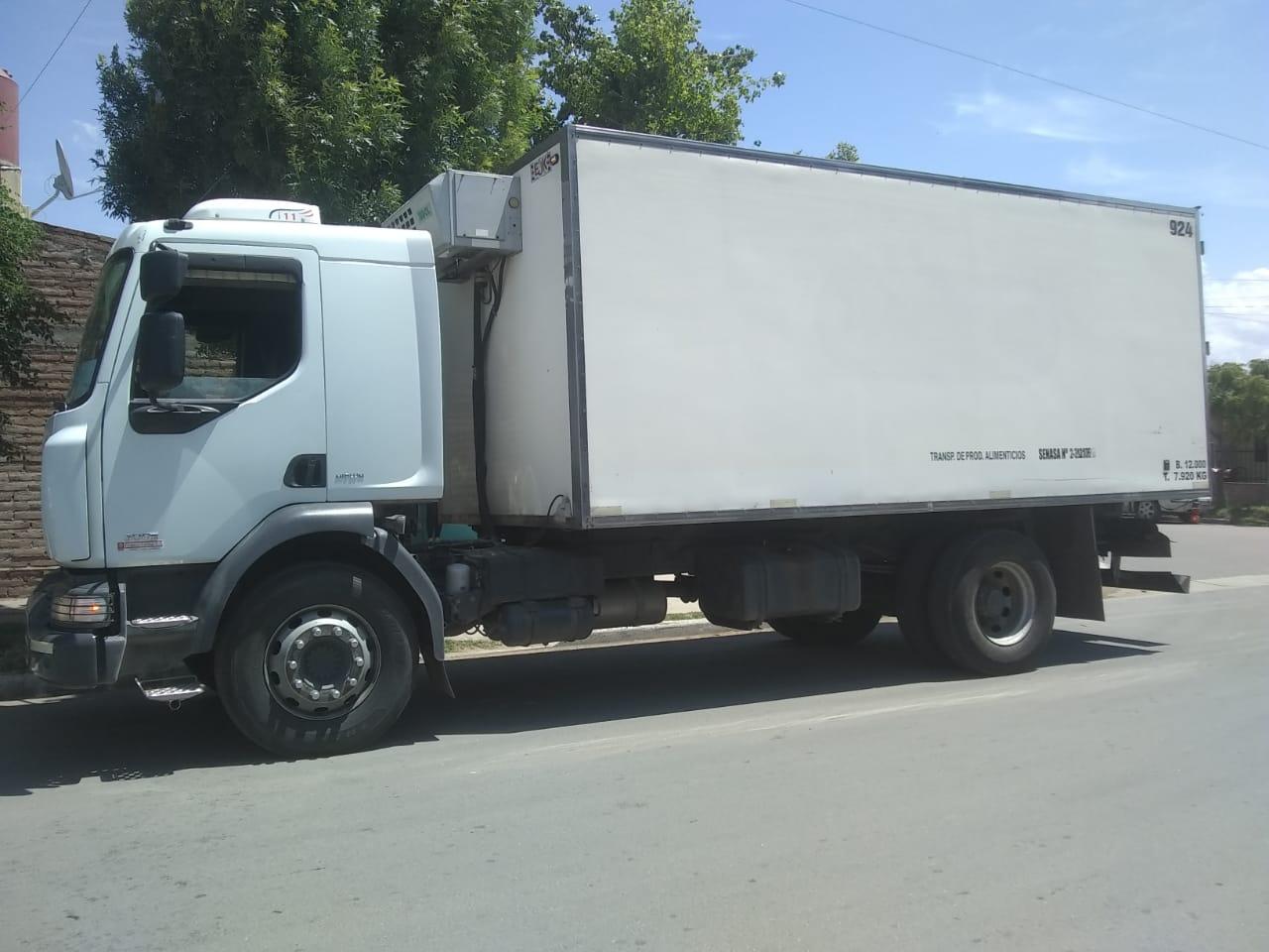 Robaron alrededor de $ 50 mil pesos de un camión repartidor de lácteos en barrio Ranqueles