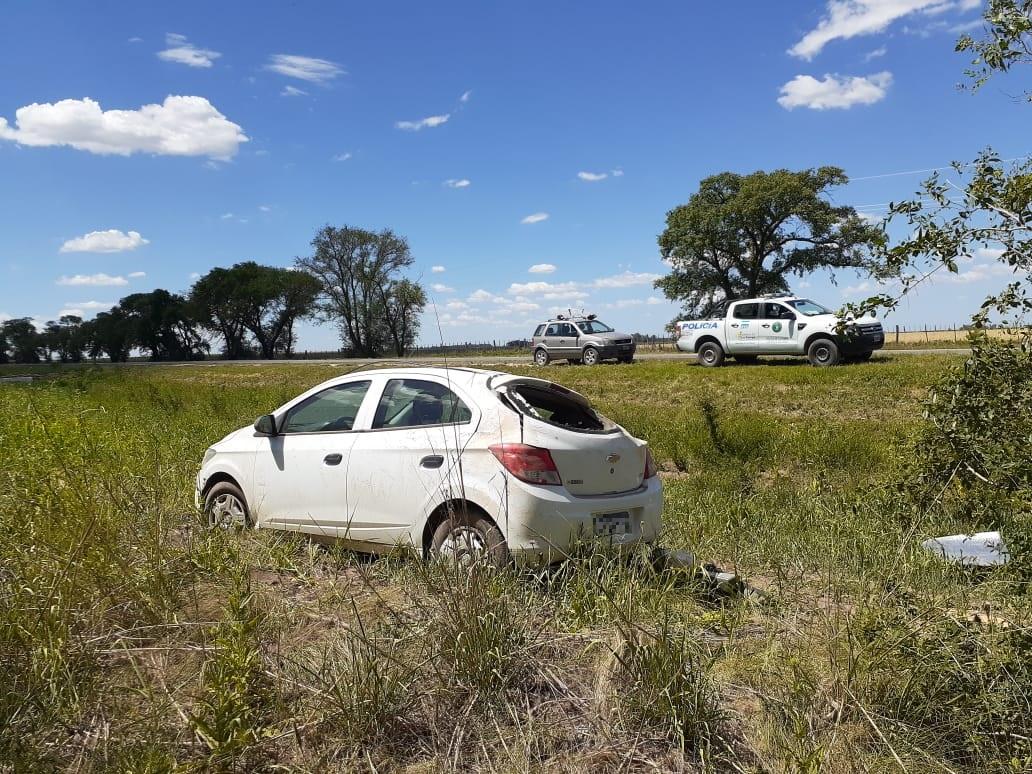 Vuelco en Ruta 35 en cercanías de Eduardo Castex: Una mujer fue asistida por el SEM