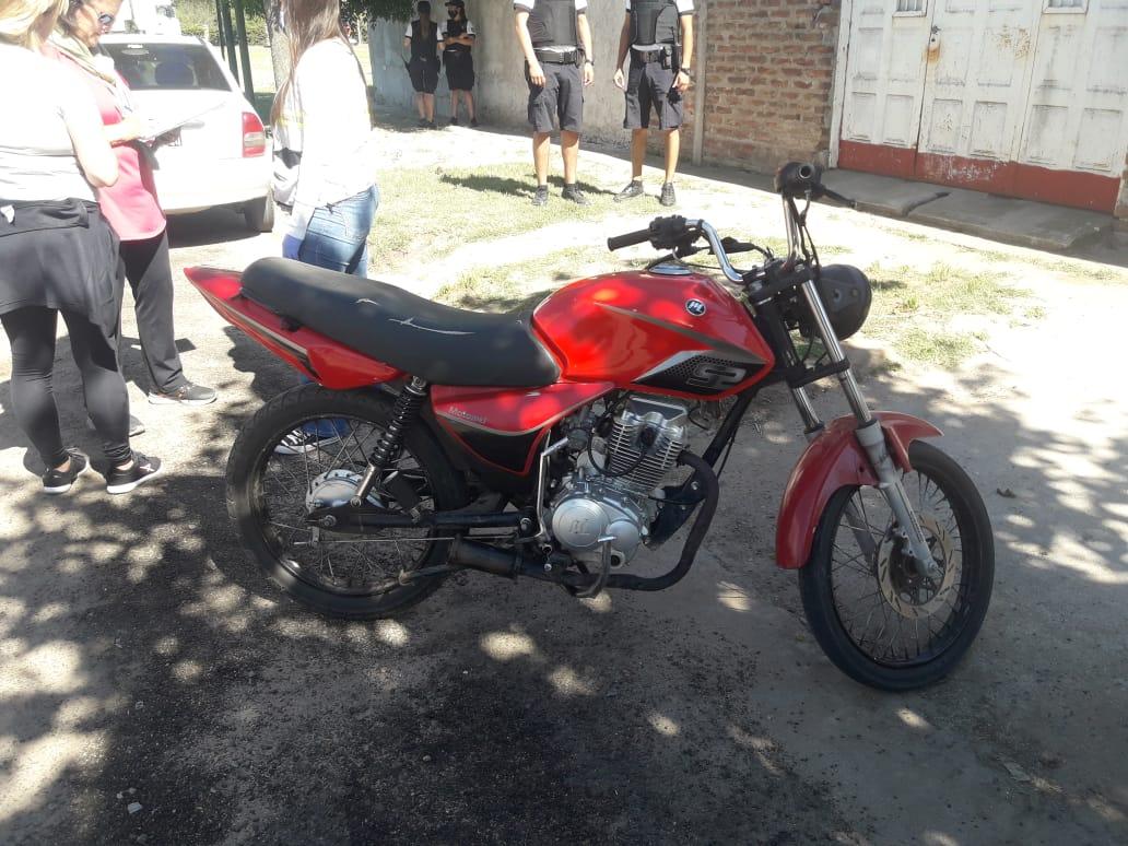 General Pico: dos motociclistas corrían «picadas» y la policía realizó allanamientos para secuestrar los rodados