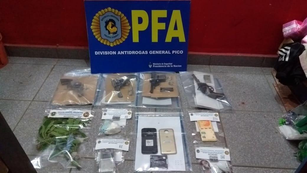 Hallan droga y armas en un allanamiento en barrio Bicentenario de General Pico