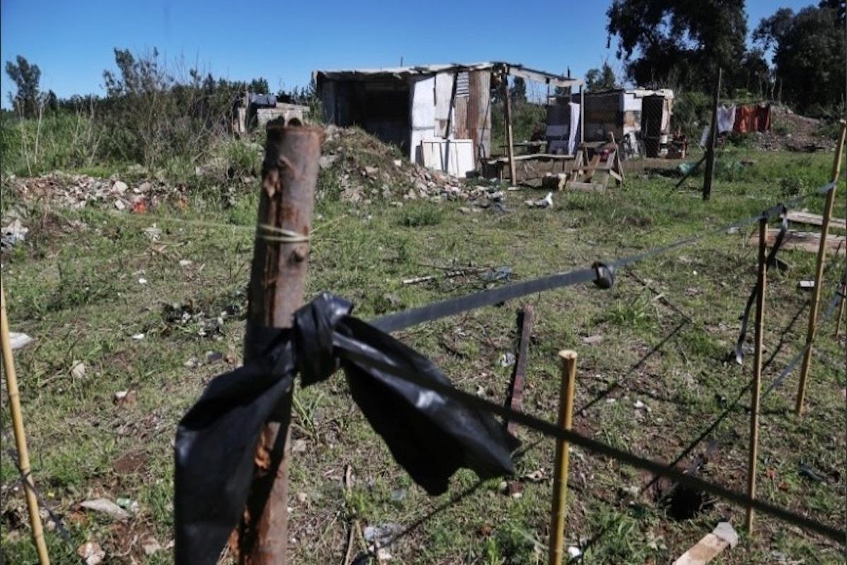 Mendoza reglamentó que quien usurpe terrenos perderá beneficios sociales