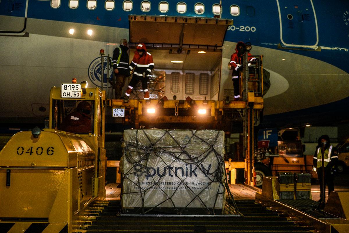 Partió a la madrugada a Rusia el vuelo de Aerolíneas que traerá más dosis de Sputnik V