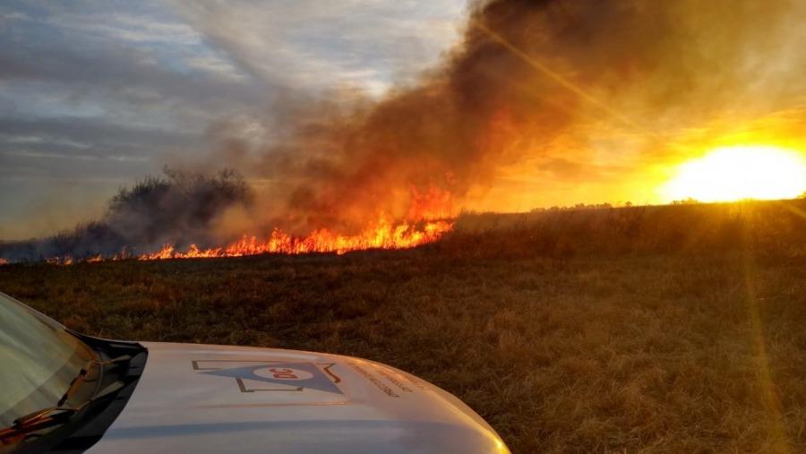La Pampa: Contuvieron cuatro incendios generados por el intenso temporal