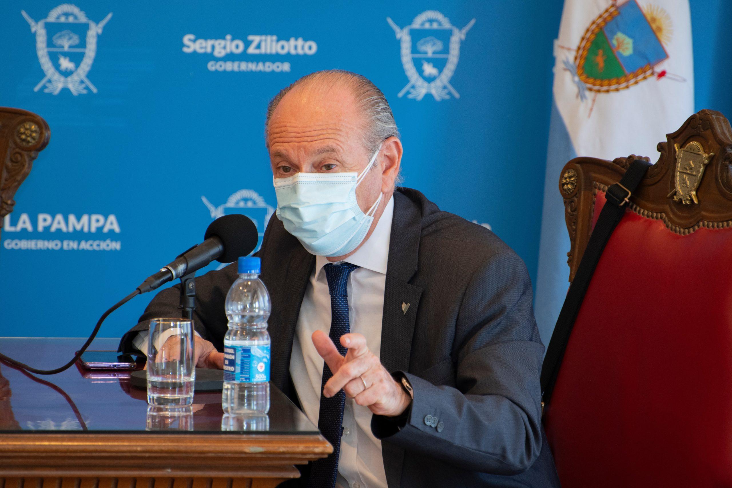 """""""No hace falta que aplaudan al equipo de salud, hace falta que lo acompañen"""", afirmó el Ministro Mario Kohan"""