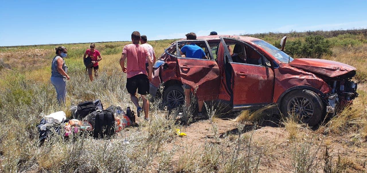 Vuelco fatal en Ruta 20: Murió un joven de 18 años mientras era trasladado de urgencia a General Acha