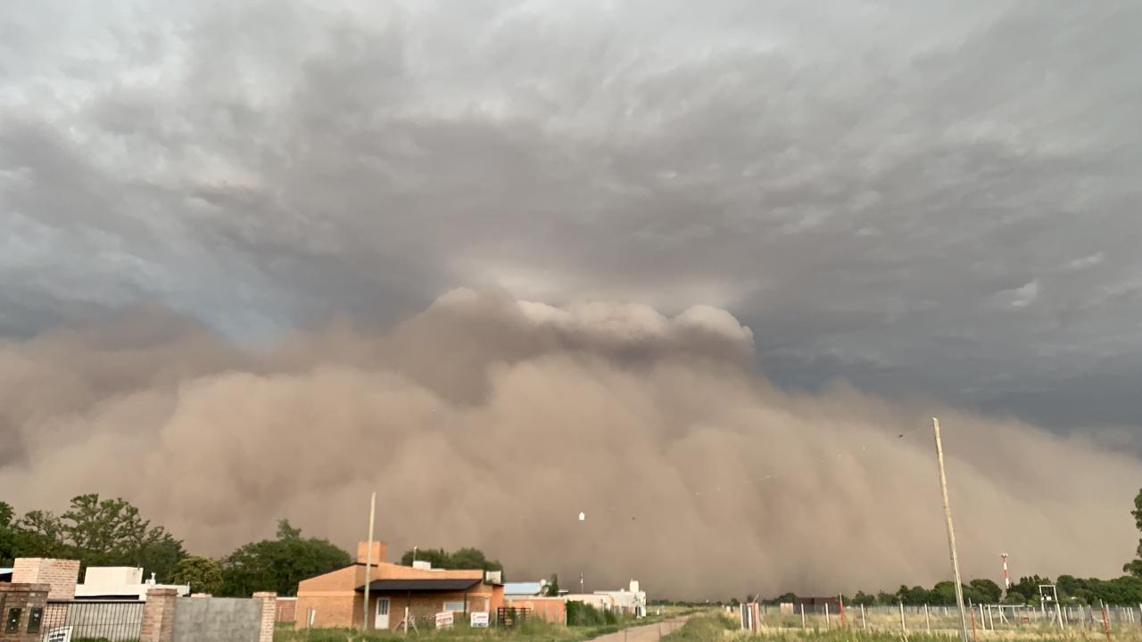 Mirá los asombrosos vídeos del increíble temporal que sacudió a La Pampa