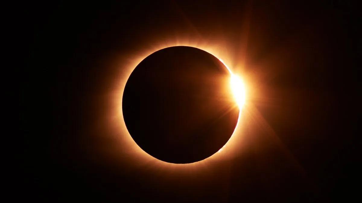 Autorizan el ingreso de turismo internacional a Neuquén y Río Negro para ver el eclipse del lunes