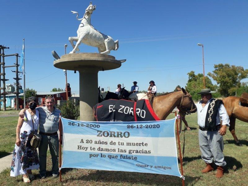 """Hace 20 años se moría """"El Zorro"""", el mítico caballo que pasó por La Pampa y que dejó grandes recuerdos en la gente"""