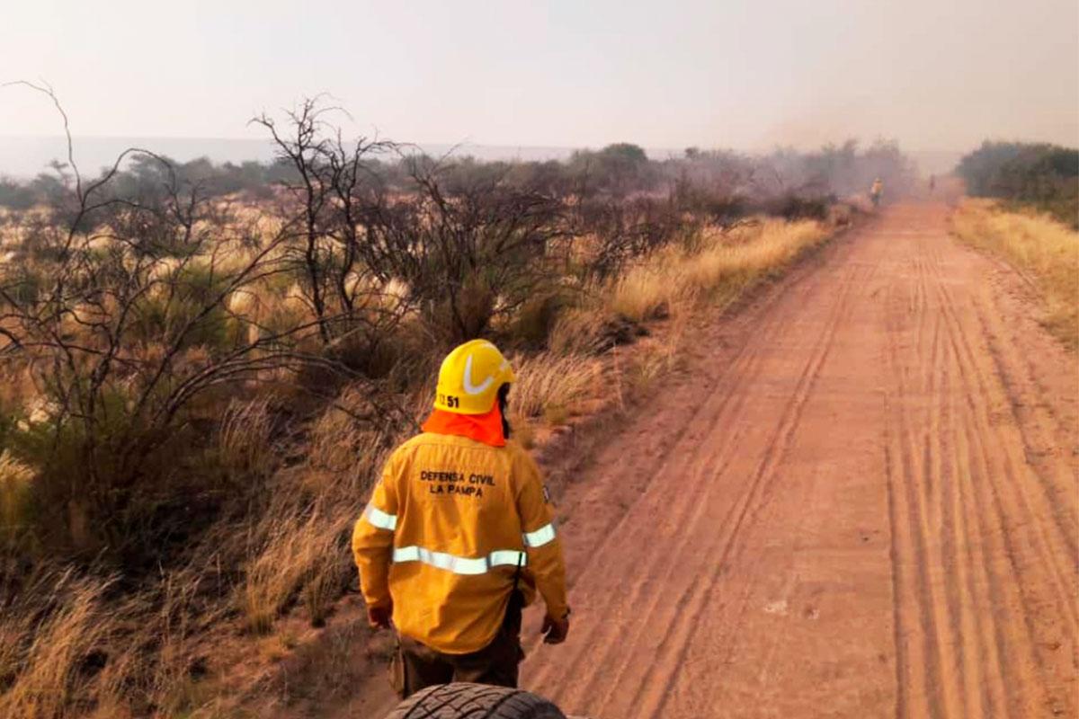 La Pampa y otras dos provincias mantienen focos activos de incendios forestales