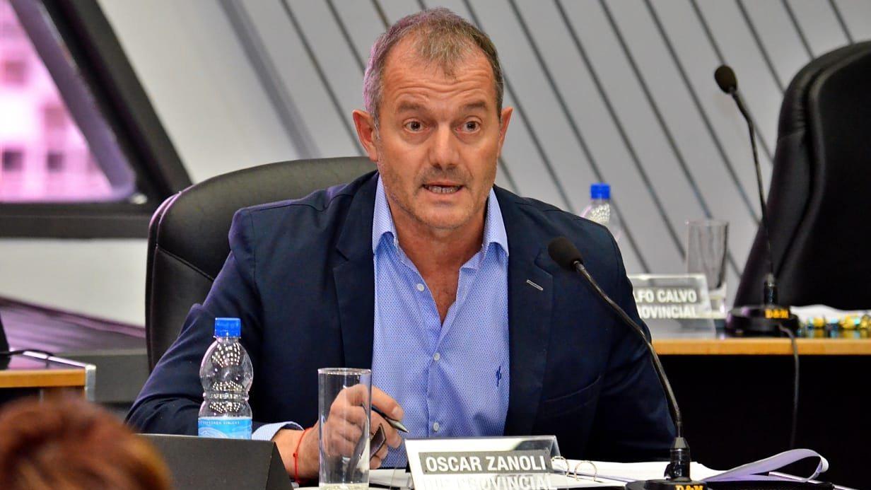 """El diputado Zanoli habló de la nueva ley de plaguicidas: """"Hemos tratado de darle respuesta a todos, la idea no es prohibir sino regular"""""""