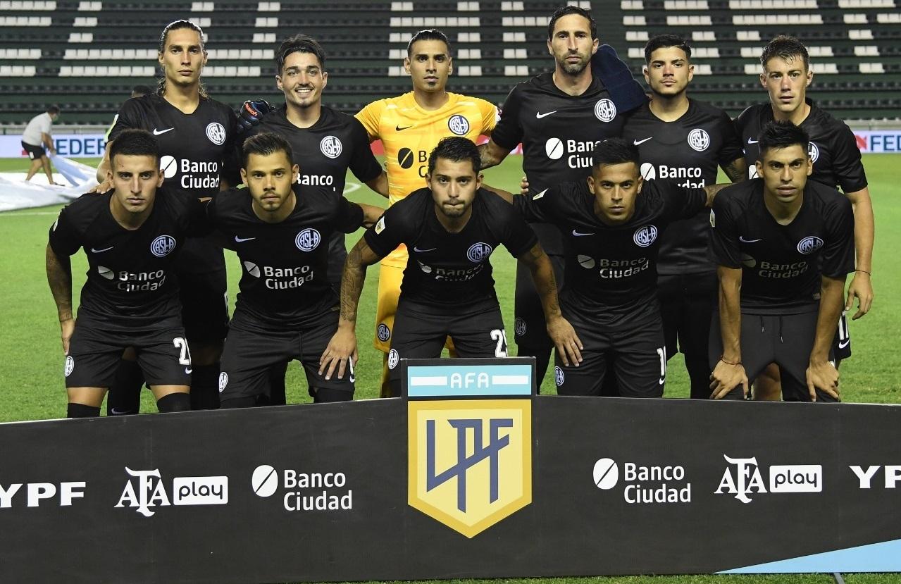Matías Palacios jugó los 90 minutos en la dura derrota de San Lorenzo