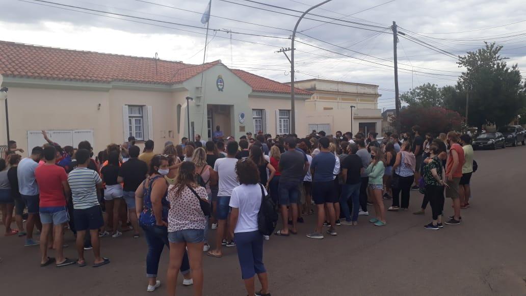 """Crecieron los contagios de COVID-19 en Trenel y la Municipalidad está cerrada: """"Los casos subieron después de las fiestas clandestinas"""""""