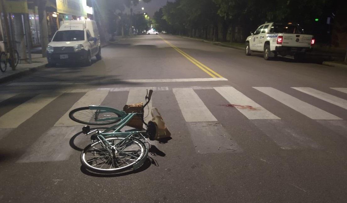 Una persona se cayó de su bicicleta en calle 9 esquina 108: Fue asistida e ingresó convulsionando al Hospital