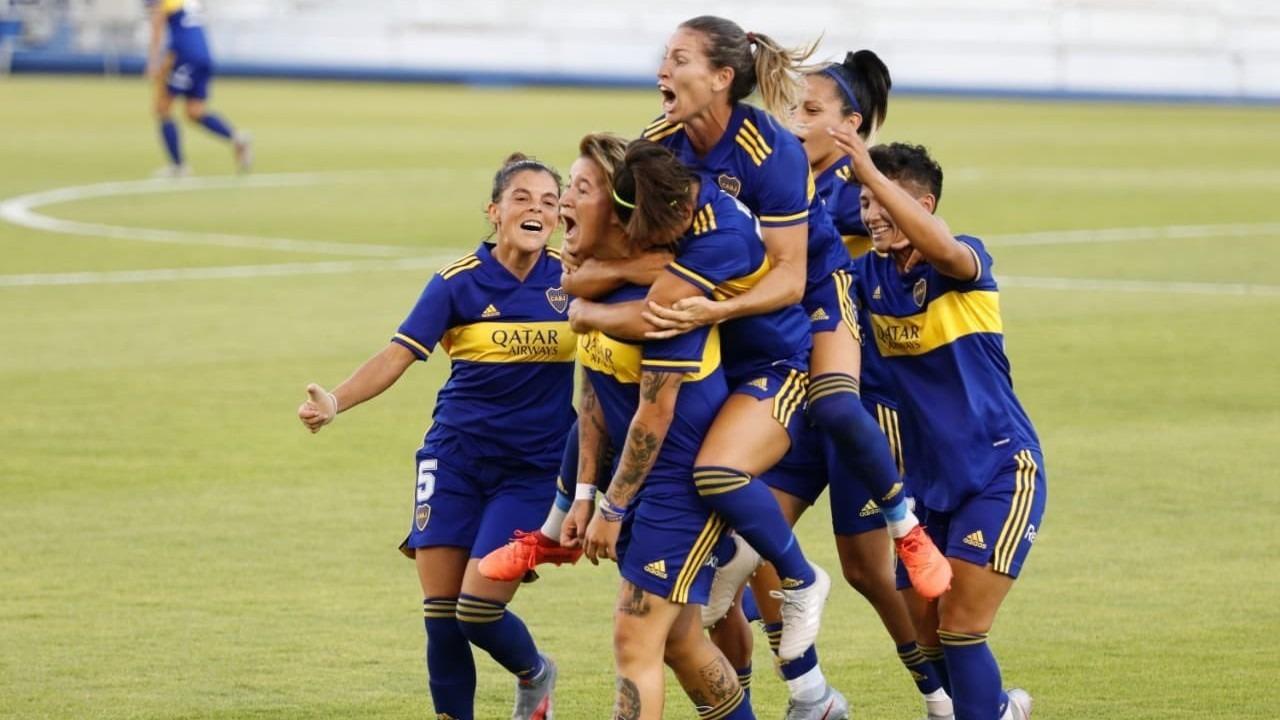 Fiesta en el vestuario de Boca: tras convertirse en las primeras campeonas profesionales del fútbol femenino