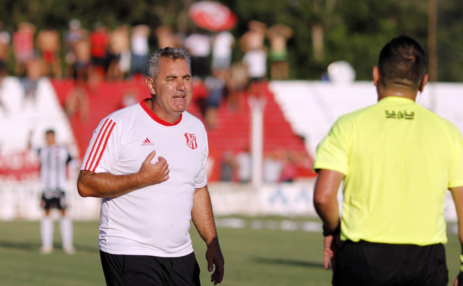 "Murió quien fuera técnico de Costa Brava, José Edgardo ""Topo"" González"
