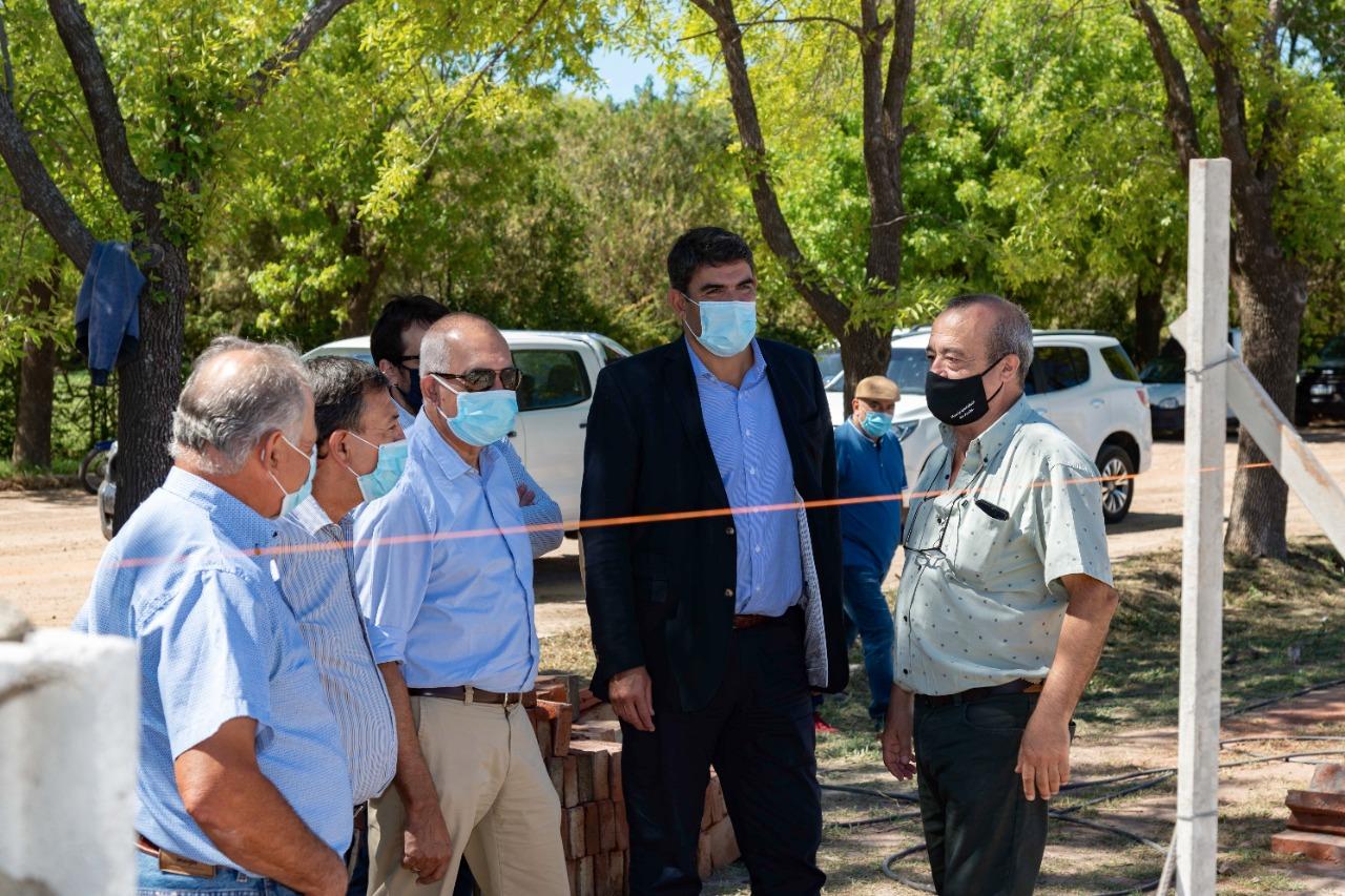 Funcionarios recorrieron distintas obras en la localidad de Arata