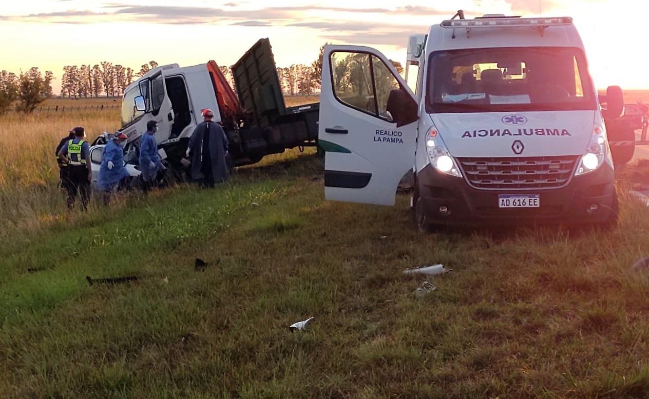 La Pampa: Cuatro muertos y una persona hospitalizada dejó como saldo el terrible accidente en Ruta 188