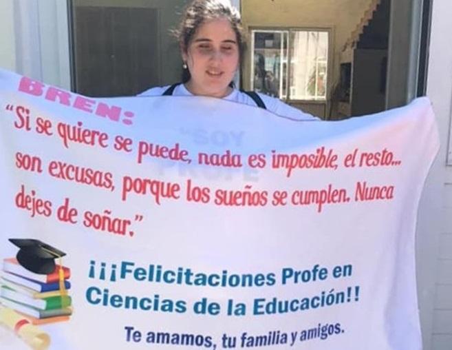 Brenda Martínez se mostró muy feliz por recibirse y dejó una hermosa reflexión para aquellos que persiguen un sueño