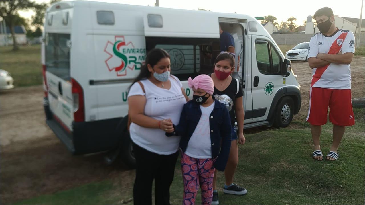 «Ganó la batalla»: Una niña pampeana terminó su tratamiento oncológico y fue recibida con una emotiva caravana, encabezada por Bomberos Voluntarios