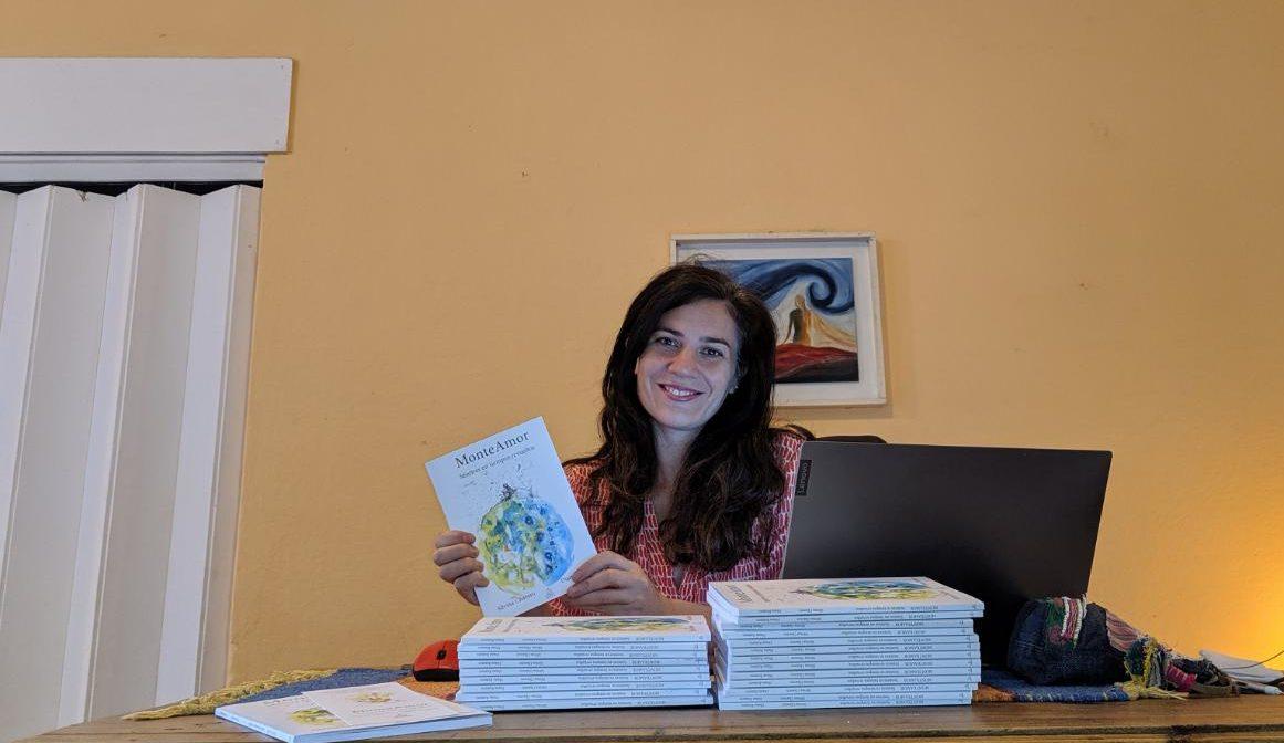 """La piquense Noelia Ailín García editó """"MonteAmor: Sentires en tiempos revueltos"""", un nuevo libro de poemas"""