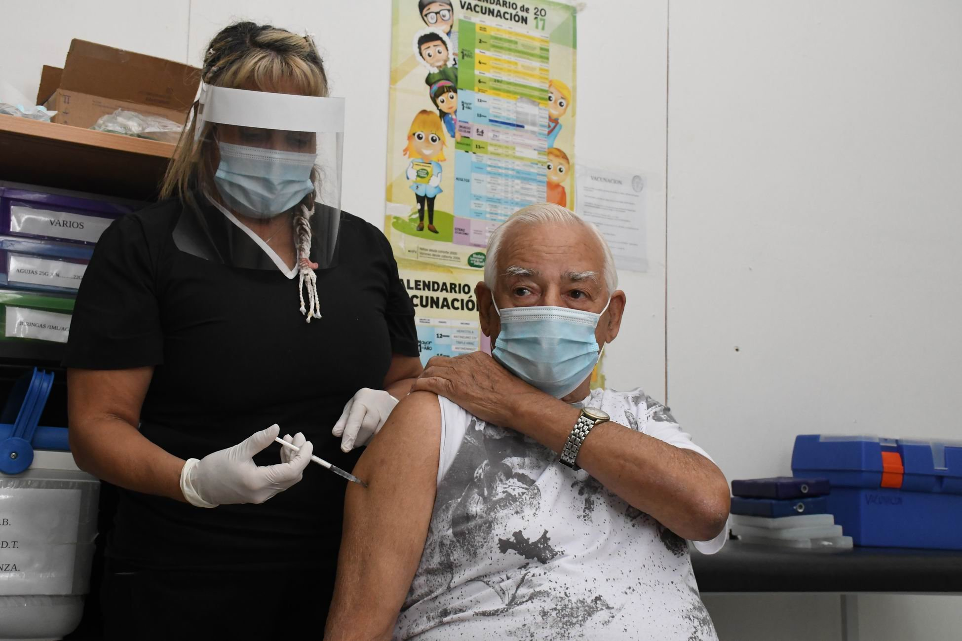 Vacunación contra COVID-19: Llegaron 1000 dosis de AstraZeneca a General Pico