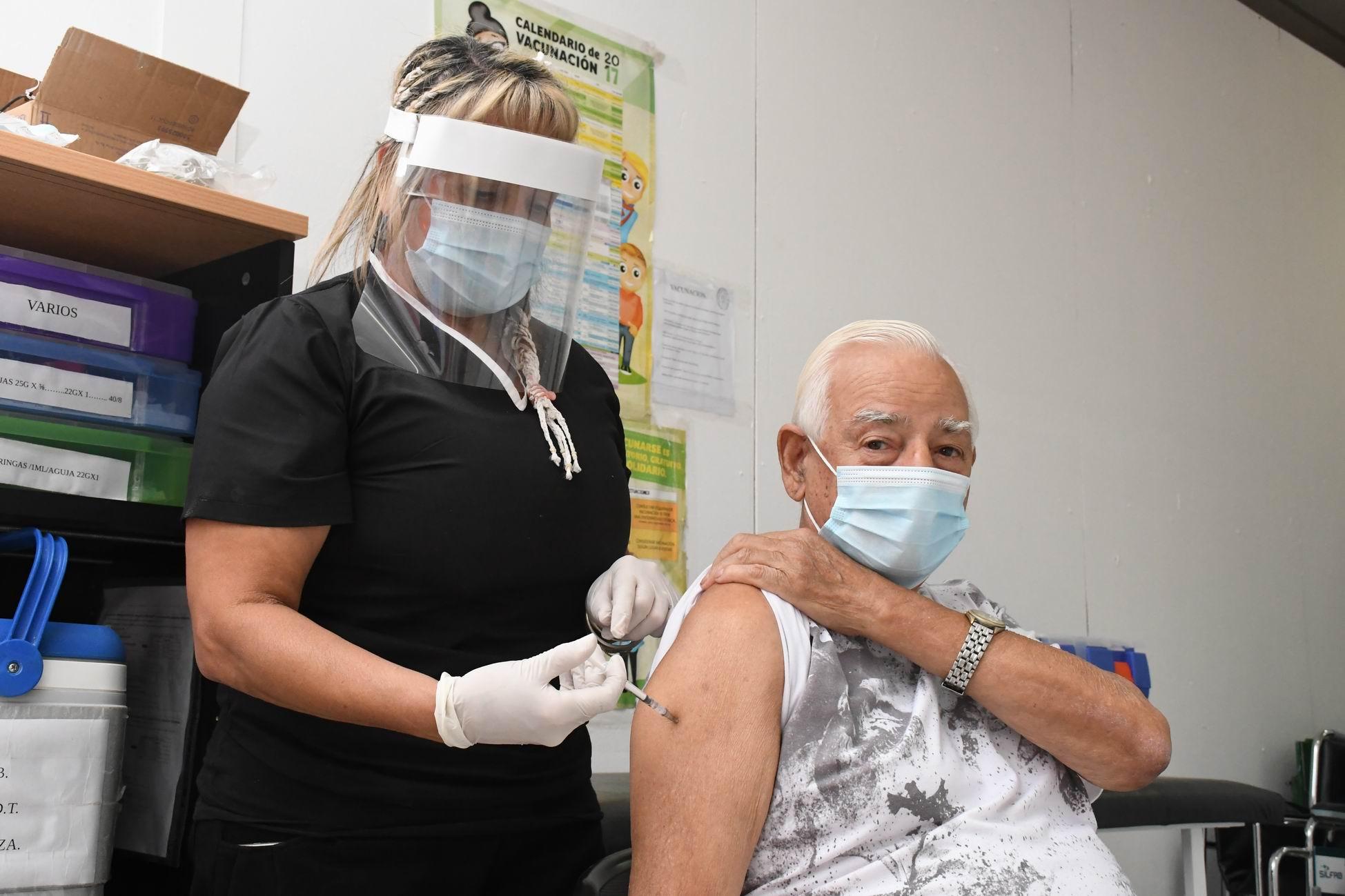 COVID-19: Ya hay más de 45 mil vacunas aplicadas en La Pampa y se inscribieron unas 104.628 personas