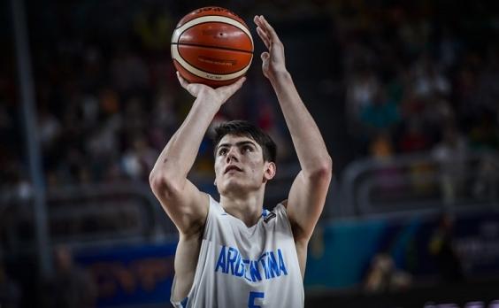 El basquetbolista piquense, Leo Lema, viajó a Colombia con la selección Argentina