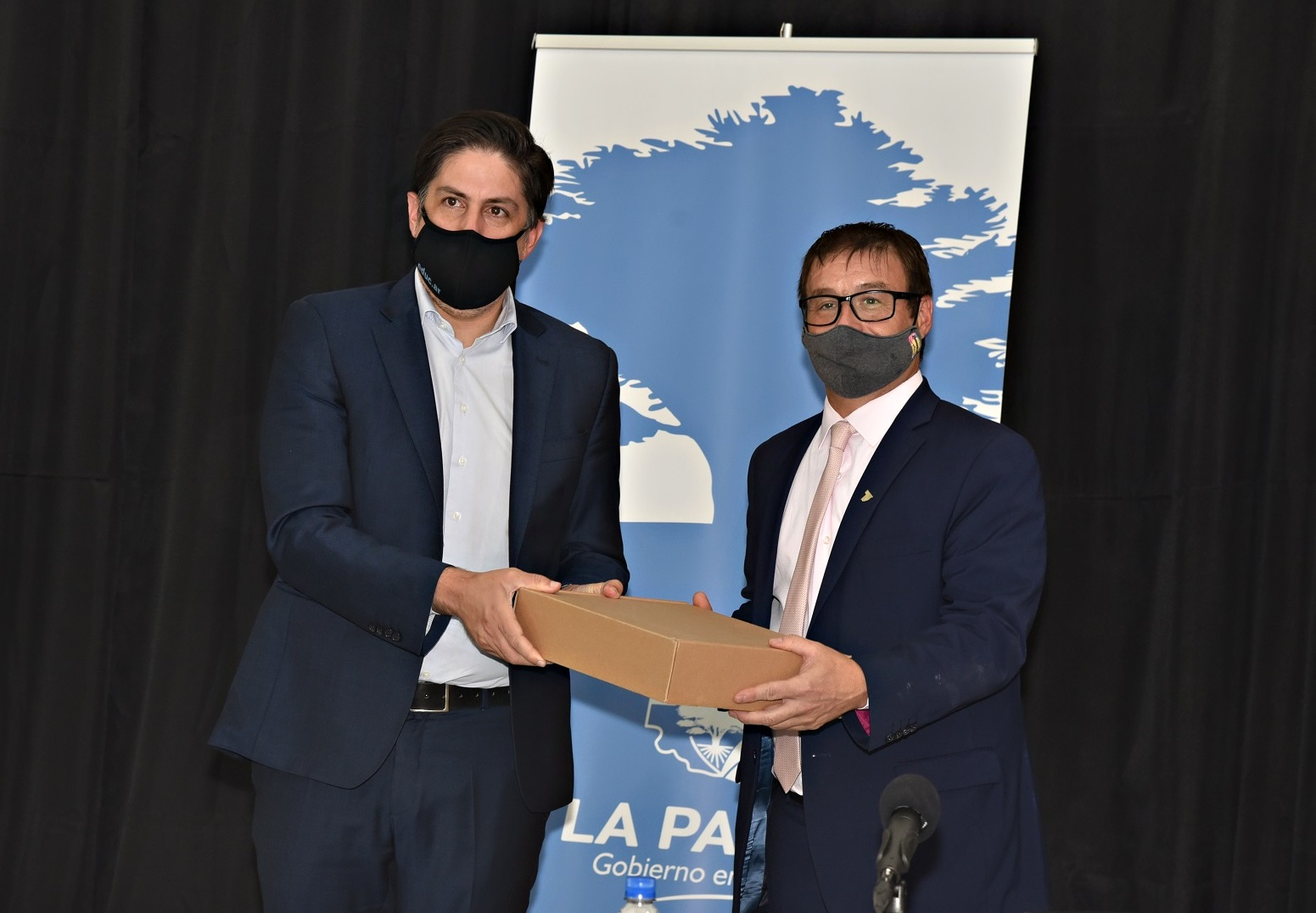 El ministro Trotta confirmó que Nación enviará 200 Notebooks para la revinculación educativa con estudiantes en el programa 'Puentes de Igualdad'