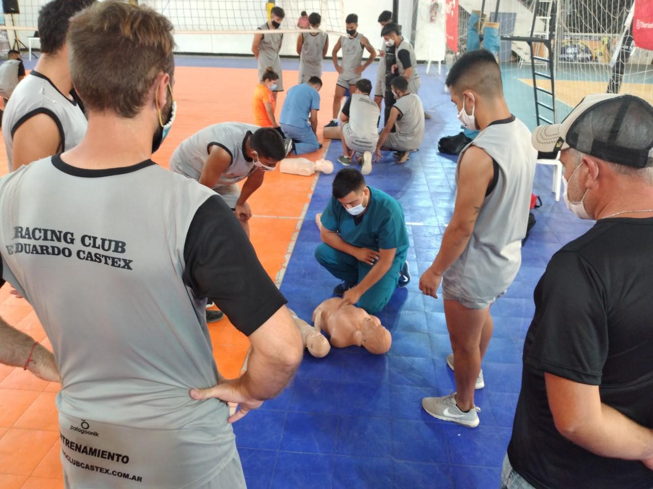 Realizaron jornadas de capacitación de RCP para futbolistas en Eduardo Castex