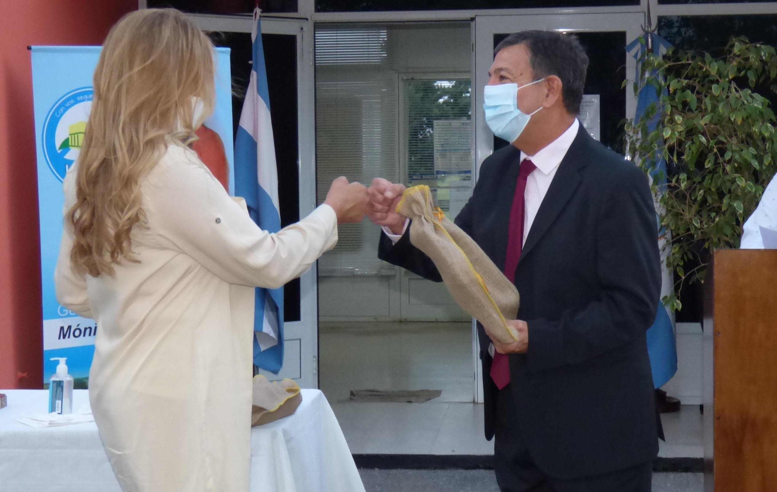 Entregaron reconocimientos a quienes durante la pandemia realizaron tareas esenciales durante el emotivo aniversario de Luan Toro