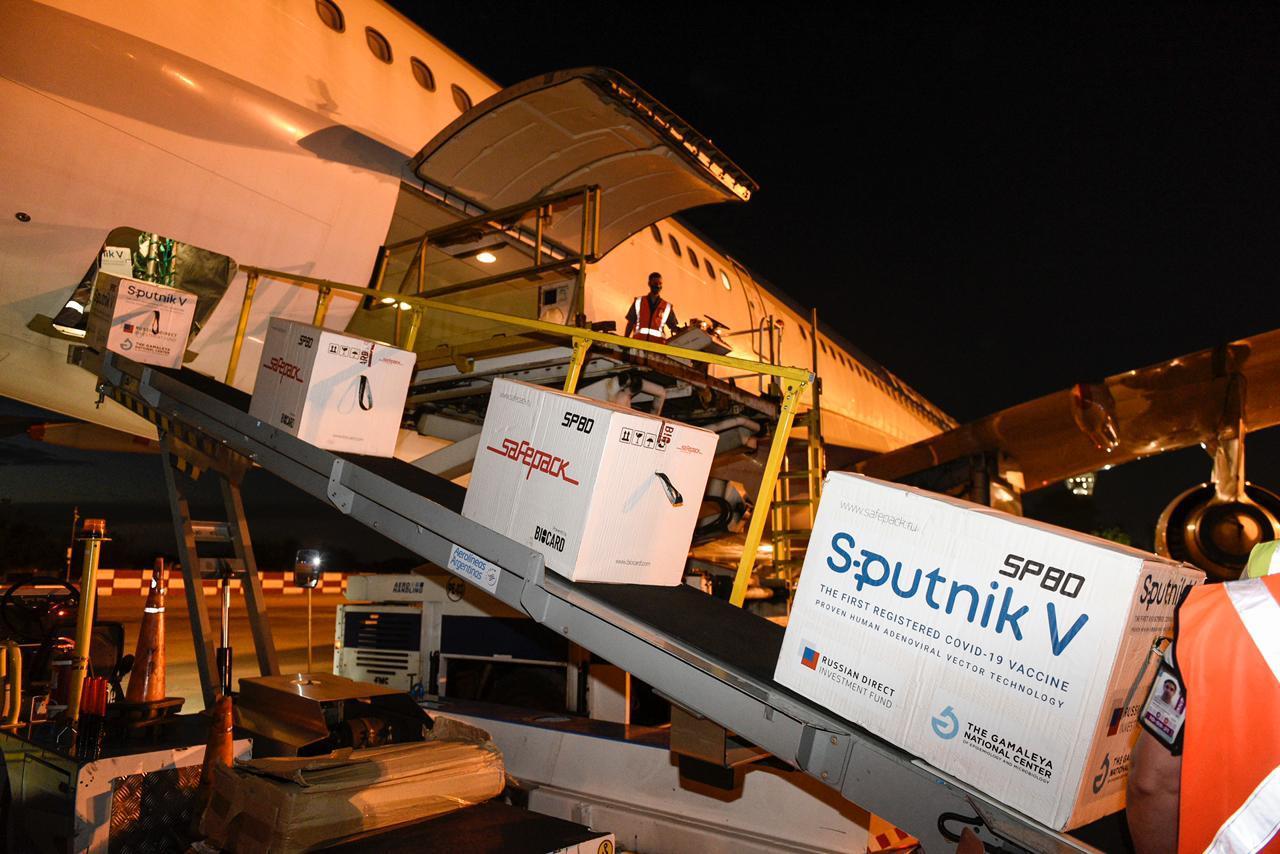 Arriban hoy 732.500 Sputnik V y Argentina ya cuenta con más de 4.000.000 de dosis