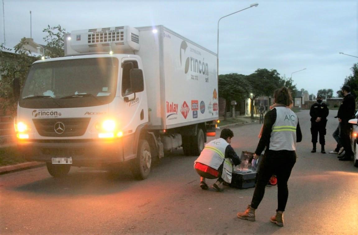 Camionero se bajó a entregar mercadería y sufrió el robo de una mochila con $ 60 mil pesos en barrio Federal