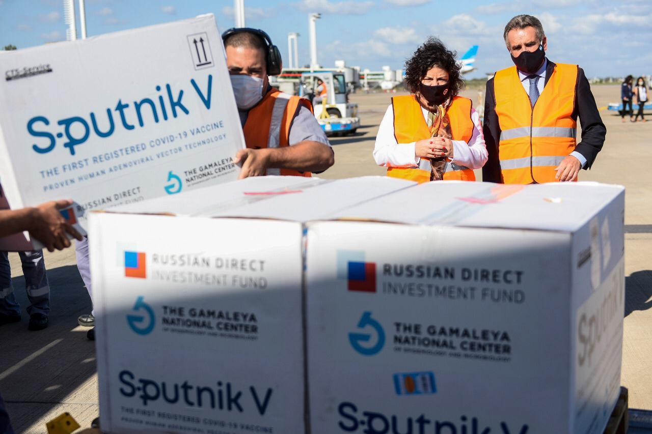 Coronavirus: llegó un nuevo vuelo de Aerolíneas Argentinas con 300.000 dosis de la vacuna Sputnik V