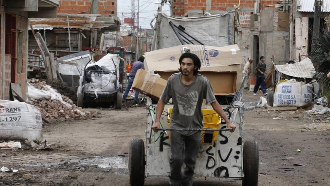 El índice de pobreza subió al 42% al cierre del segundo semestre de 2020