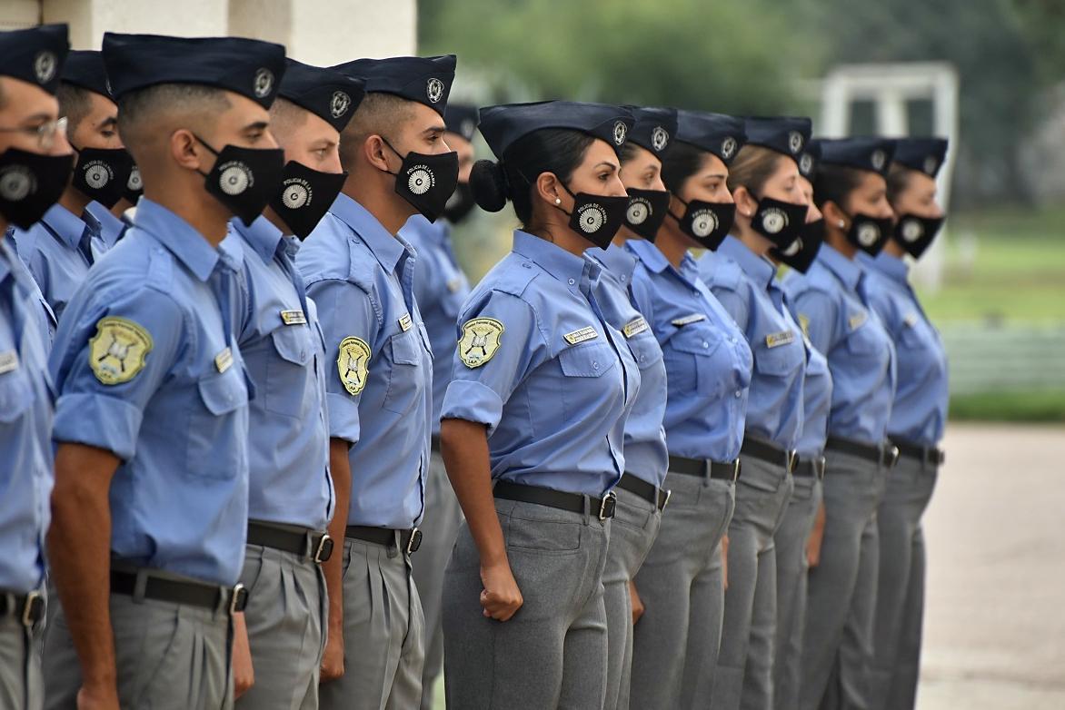 """Inicio del Ciclo Lectivo en el Instituto Superior Policial: """"Siempre tenemos que ir actualizándonos en la capacitación de nuestra gente"""", aseguró el Jefe de la Policía de La Pampa"""