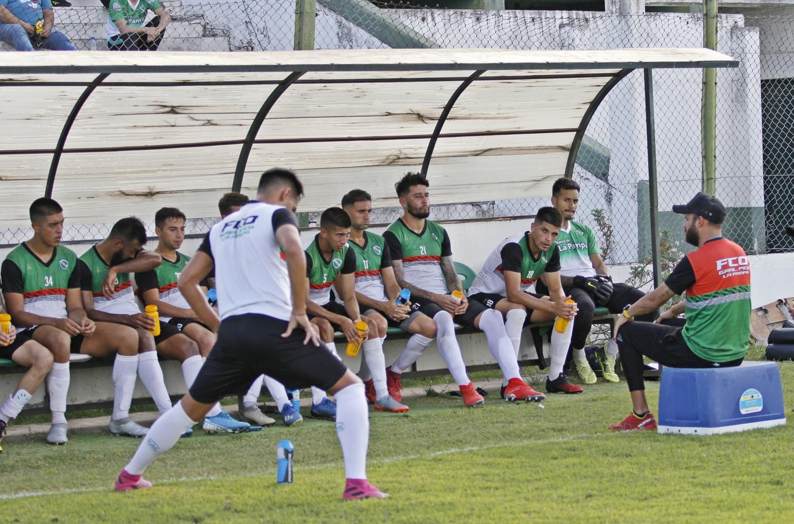"""Federal """"A"""": Ferro de Pico sumó un arquero con pasado en la selección Argentina sub-20, dos defensores y un volante"""