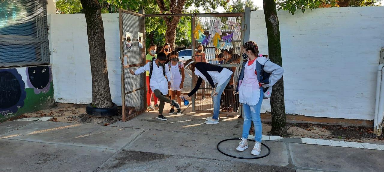 La presencialidad educativa continuará vigente en La Pampa: Desde UTELPa piden el estricto cumplimiento de todos los protocolos y que se acelere la vacunación para docentes