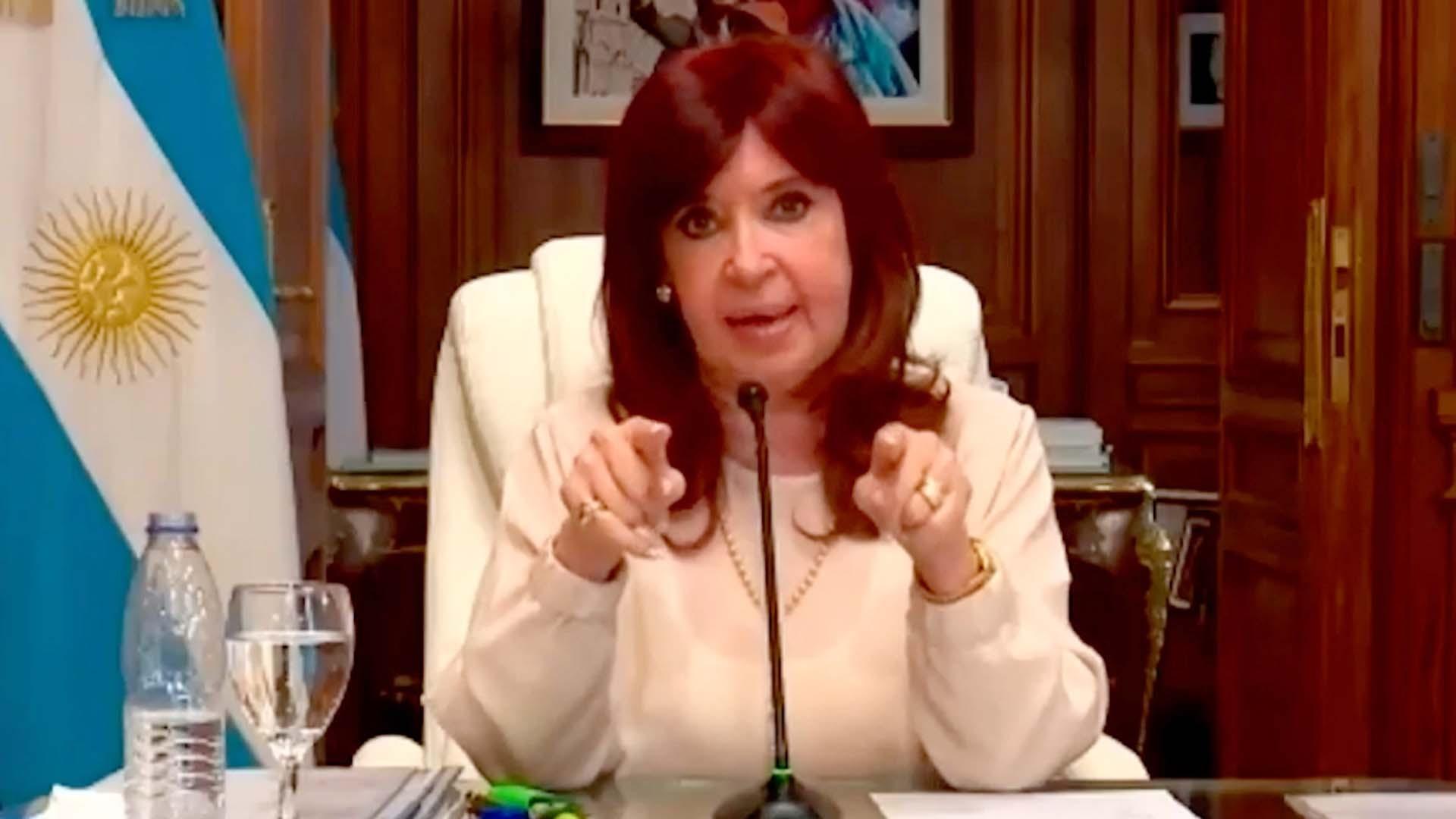 """Cristina Kirchner: """"No voy a pedir ningún sobreseimiento, hagan lo que tengan que hacer"""""""