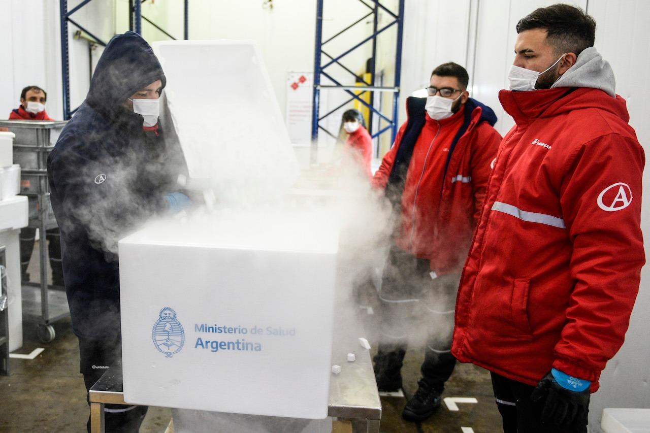 COVID-19: Con el envío de hoy desde China, la Argentina ya recibió casi 6,8 millones de vacunas